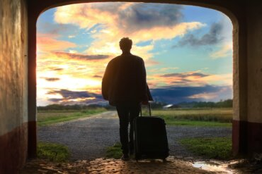 Article: 6 Jobs to apply for if you want to work abroad this summer